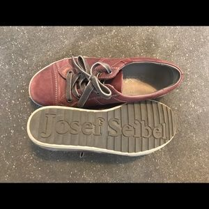 Josef Seibel 38/7.5 Women's Comfort Sneaker